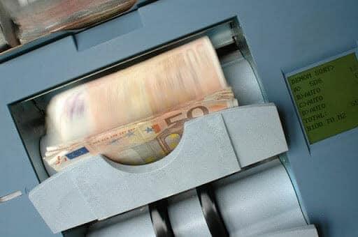 オンラインカジノ入金方法 銀行送金