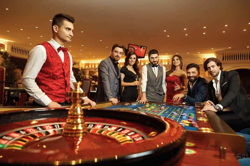 カジノクラブに行くときのドレスコードって何?カジノに適した服装とは何か?